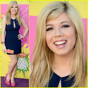 Jennette McCurdy - Kids� Choice Awards 2013 Red Carpet