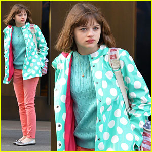 Joey King: NYC Hotel Check Out