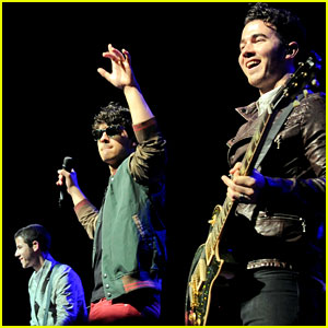 Jonas Brothers: Sao Paulo Concert Pics!