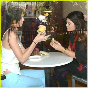 Kendall & Kylie Jenner: Crumbs Cupcakes To Go
