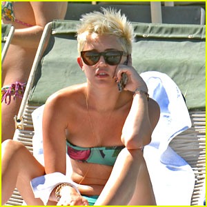 Miley Cyrus: Palm Desert Pool Time