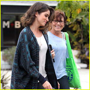 Nikki Reed: Spa Day with Mom Cheryl