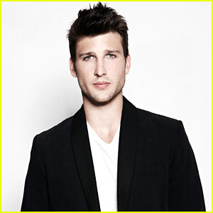Parker Young: Leaving 'Suburgatory' for 'Enlisted'?