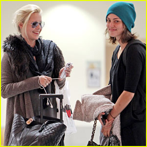 Phoebe Tonkin & Claire Holt: New Orleans Duo!