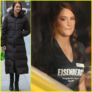 Shailene Woodley: 'Spider-Man 2' Waitress!