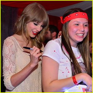 Taylor Swift: Club Red with Fans!