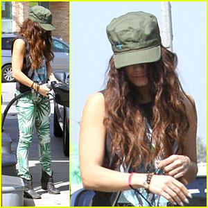 Vanessa Hudgens: Green Leaf Pants!