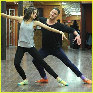 Zendaya & Val Chmerkovskiy: 'Dancing' Practice in NYC!