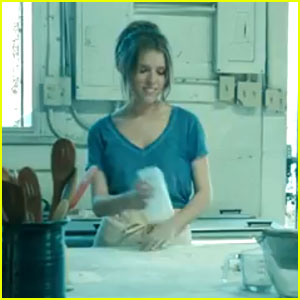 Anna Song Video http://www.justjaredjr.com/2013/04/14/anna-kendrick-cups-video-watch-now/