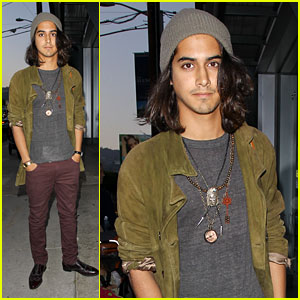 Avan Jogia: Photo Gallery Guy