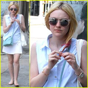 Dakota Fanning Runs Errands in NYC