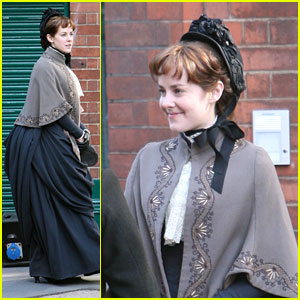 Jena Malone: Filming 'Angelica' In London!