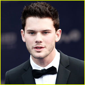 Jeremy Irvine Joins 'Woman in Black' Sequel
