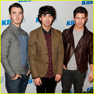 Jonas Brothers Announce Summer 2013 Tour!