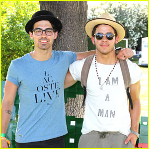 Joe &#038; Nick Jonas: Lacoste Desert Pool Party