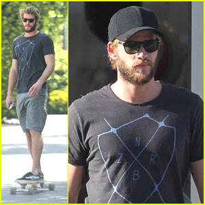Liam Hemsworth: Sunday Skateboarding