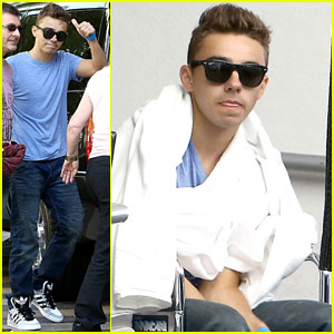 Nathan Sykes: Thumbs Up After Throat Surgery