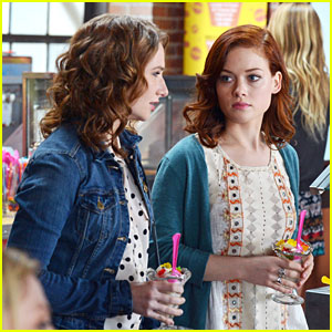 Jane Levy & Courtney Merritt: Ice Cream Parlor Pals
