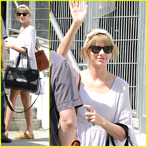 Taylor Swift: Arena Arrival in Miami