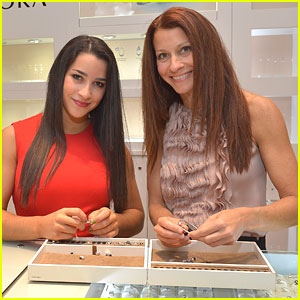 Aly Raisman: Pandora Signing with Mom Lynn