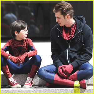 Andrew Garfield Films With Mini-Me 'Spider-Man'
