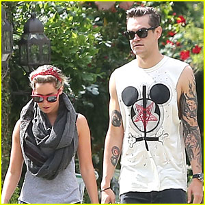 Ashley Tisdale & Christopher French: Walk Around The Block