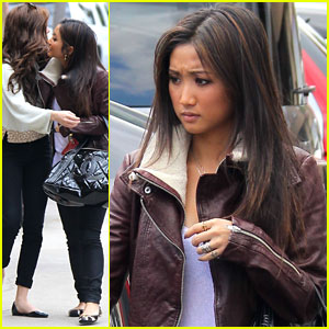 Brenda Song: Lunch in Studio City with Zoey Deutch!