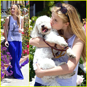 Caroline Sunshine & Paulie: Walk on the Pier