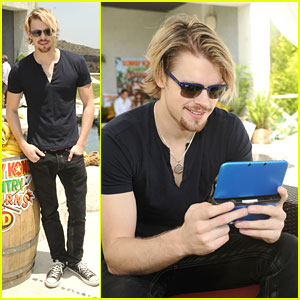 Chord Overstreet: Donkey Kong Island Pool Party