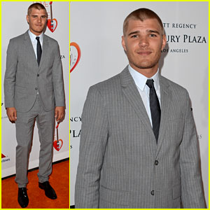 Chris Zylka: Race to Erase MS Gala
