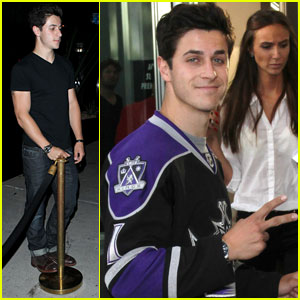 David Henrie Supports the L.A. Kings