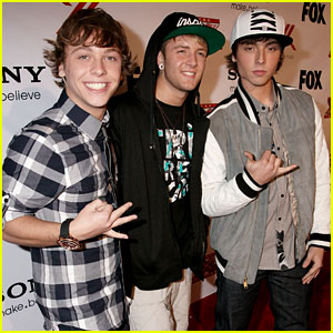 Emblem3: 'Chloe' Lyric Video - Watch Now!