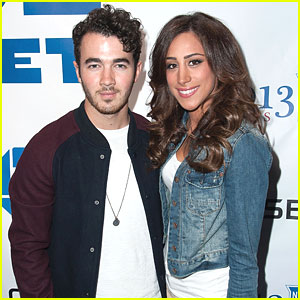 Kevin &#038; Danielle Jonas: Rangers Playoff Hockey Game