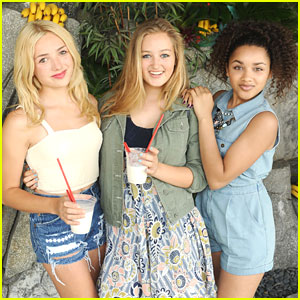 Peyton List & Jaylen Barron: Donkey Kong Nintendo Pool Party
