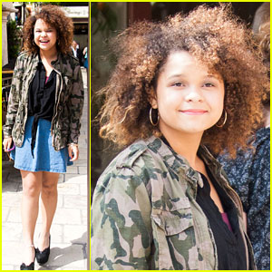 Rachel Crow: Giggles at The Grove!