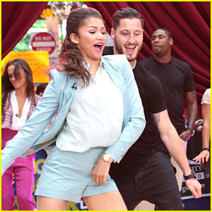 Zendaya and val dating 2019