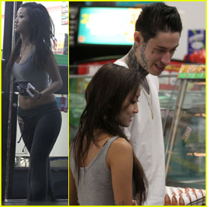 Brenda Song & Trace Cyrus: Late-Night 7-Eleven Run!