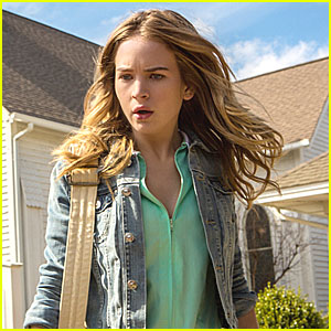Britt Robertson: 'Under The Dome' Pics!
