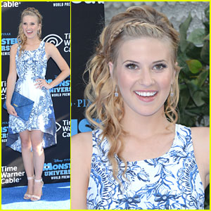 Caroline Sunshine: 'Monsters University' Premiere Pretty