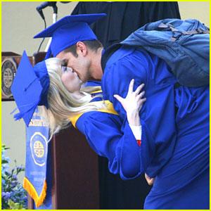 Emma Stone & Andrew Garfield: Graduation Kisses!