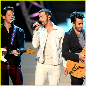 Jonas Brothers: Miss USA Competition Performance - Watch Now!