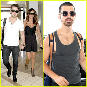 Joe & Kevin Jonas: LAX Arrival with Danielle