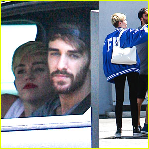 Miley Cyrus: Panda Express Pick Up