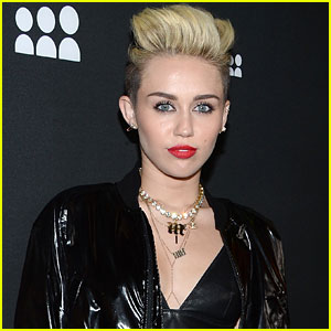 Miley Cyrus Reaches Out to Dad Amid Divorce