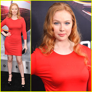 Molly Quinn: 'Man Of Steel' Premiere Pretty
