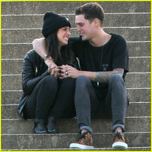 Shenae Grimes & Josh Beech: Lovey Dovey in London