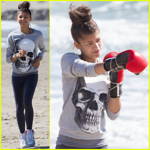 Zendaya: Beach Boxing Lesson!