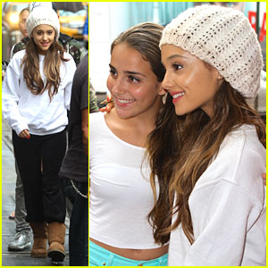 Ariana Grande: Fan Friendly in NYC