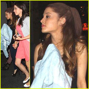 Ariana Grande: Sunday Movie & Game Night!