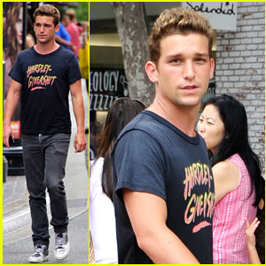 Search Results Daren Kagasoff And Girlfriendjust Jared Jr 6 ft 0 in / 183 cm, weight: just jared jr